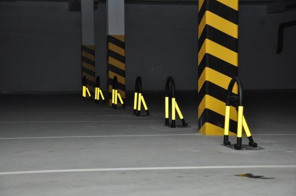 blokady parkingowe slupki odboje 18