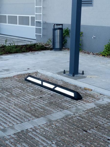 blokady parkingowe slupki odboje 23